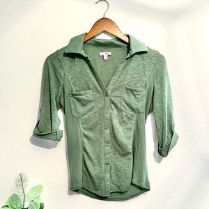 SMALL Army Green BONGO button-down shirt. Fitted.